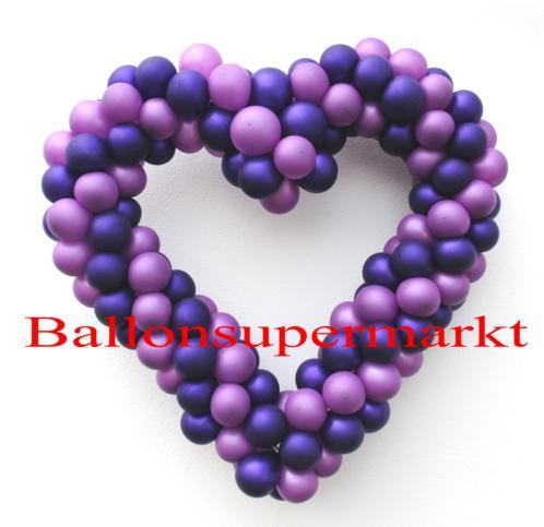 Herz aus Luftballons zur Dekoration der Hochzeit