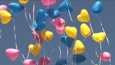 Herzluftballons in schönen Farben